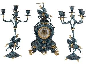 Композиция: интерьерные часы с подсвечниками Победитель